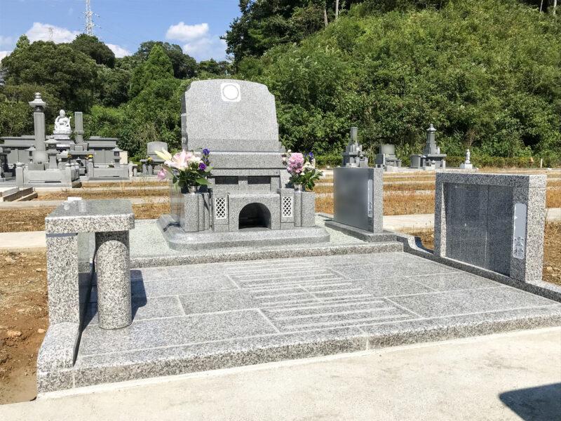 お墓参りも近くになり親族ー同喜んでいます